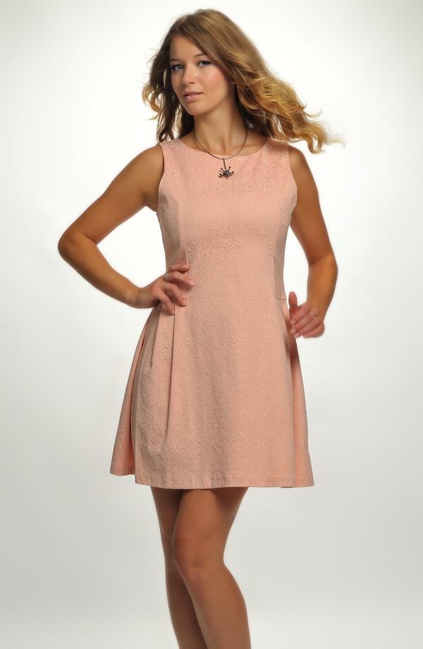Dívčí společenské šaty vhodné na svatbu a jiné společenské akce d62ddd2578c