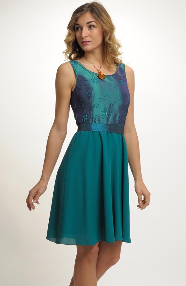115a4afc8ec8 Dívčí šaty do tanečních i na maturitu ...