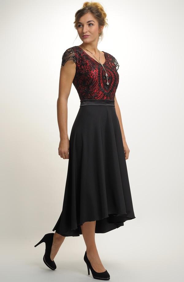 37b023a7f029 Luxusní dlouhé šaty na večerní společenské přiležitosti nabízíme také pro  plnoštíhlé od velikosti XXXL a výše.