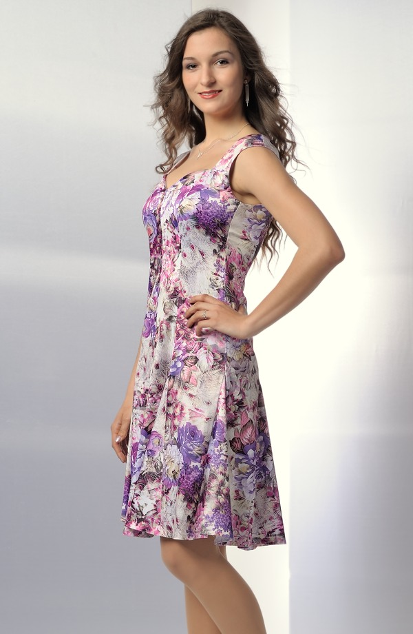 b8c7aea754d ... Dámská letní šaty s módním květinovým vzorem ...
