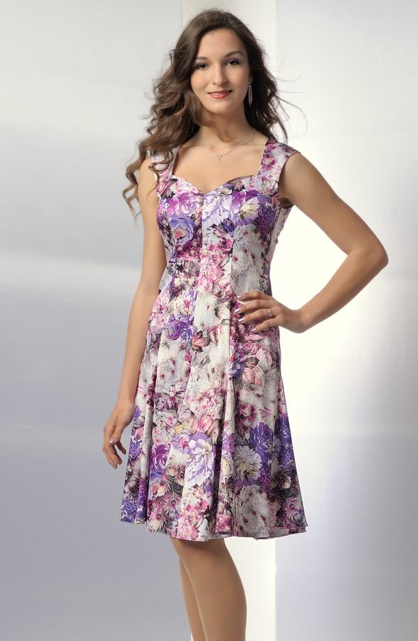 bd946e582b9 Dámská letní šaty s módním květinovým vzorem ...