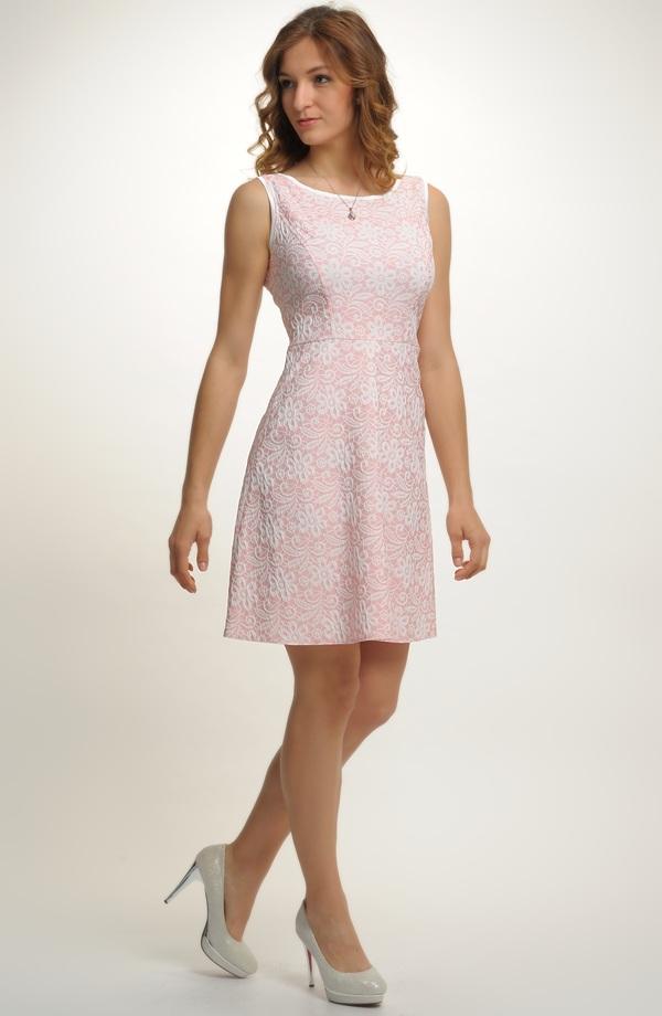 8cad8163821f ... Dívčí šaty do tanečních i na maturitu ...