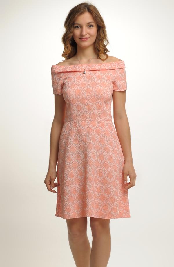 Dívčí společenské šaty vhodné na svatbu a jiné společenské akce 84ddf50f20