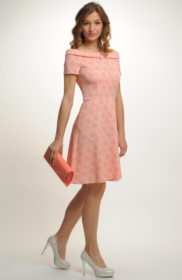 ... Dívčí společenské šaty vhodné na svatbu a jiné společenské akce ... 441981923b1