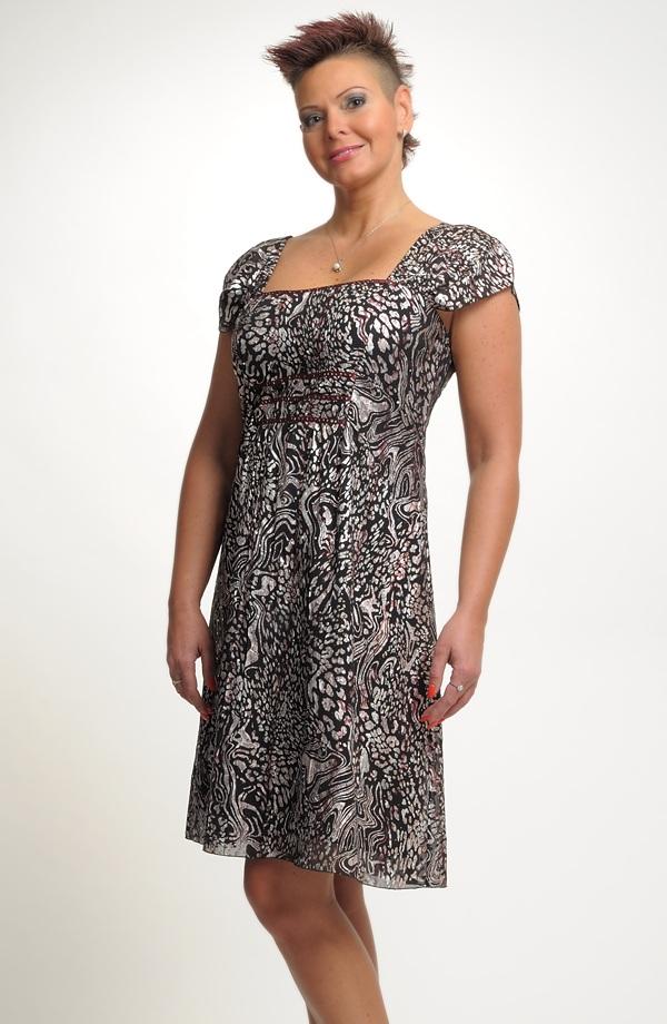 f3382f0b9d3 Dámské plesové společenské šifonové šaty vel. 44