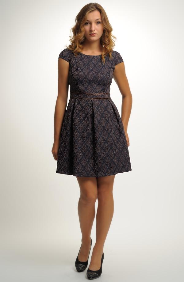 Šaty inspirované retro módou 50.let ... 0da7a8a171