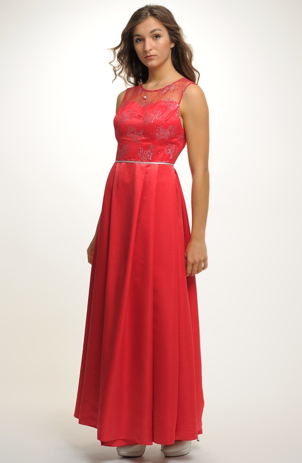 38 Plesové červené šaty na maturitní ples. Vel. 4c6d6840994