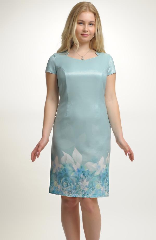 07175933f855 Dámské luxusní společenské koktejlové šaty z elastického materiálu ...