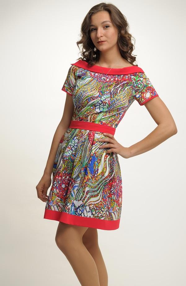 ... Dámské letní šaty s módním originálním vzorem ... 1de23440ebb