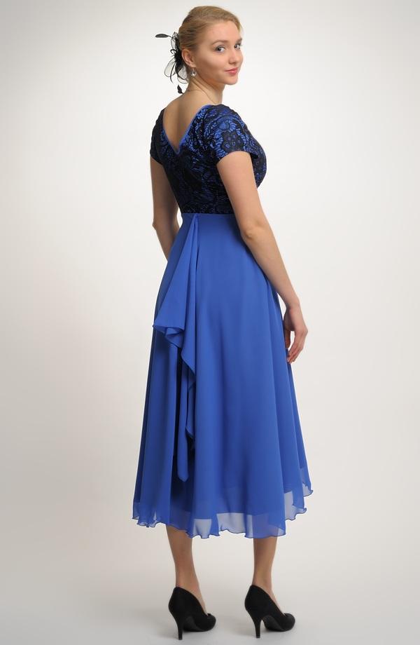 ... Elegantní večerní šaty s krajkou na ples i do divadla ... e9b30ea441c