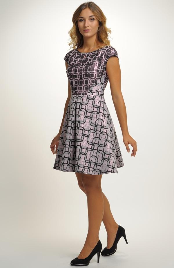 Dívčí šaty do tanečních vhodné na latinu i standardní tance. 0e3db83781