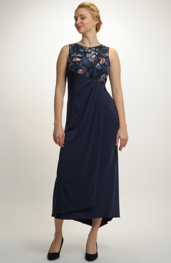 Elegantní plesové večerní šaty zdobené krajkou b1c83711131