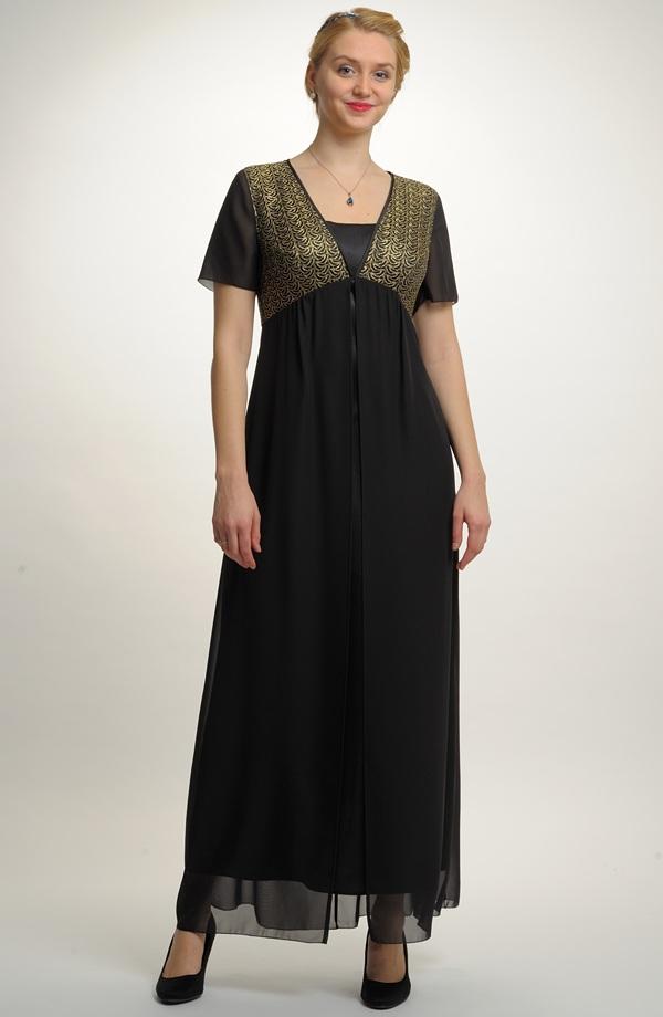 Plesové šaty i v nadměrných velikostech f6b6055c0f