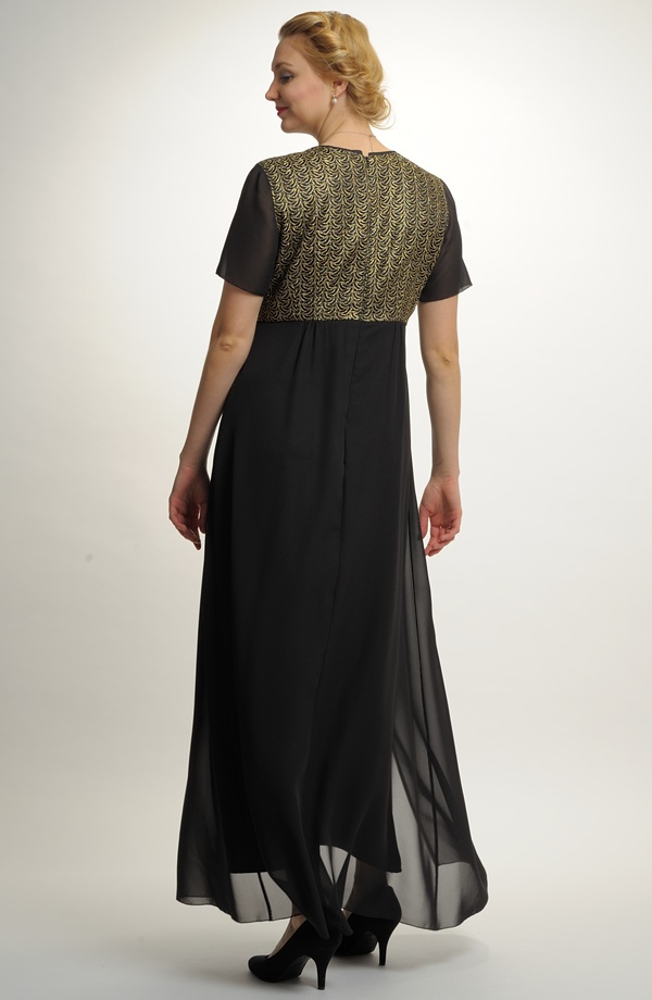 c0eb93c485e7 Plesové šaty i v nadměrných velikostech