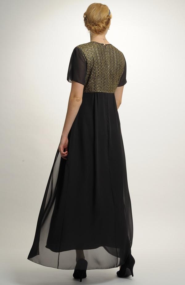 b140ad8a962 Plesové šaty i v nadměrných velikostech