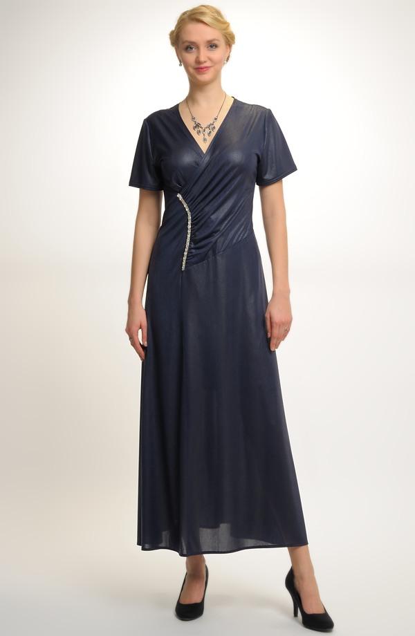 Dámské společenské šaty se sedlem  ba9c0b26e3