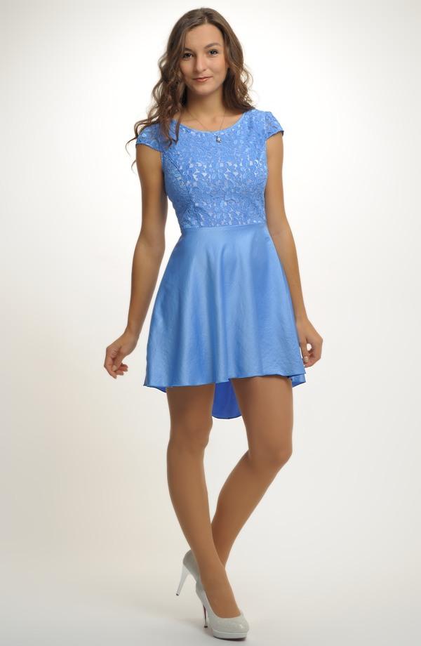 6c6450590ef9 Společenské modré šaty vhodné na svatbu i do tanečních.