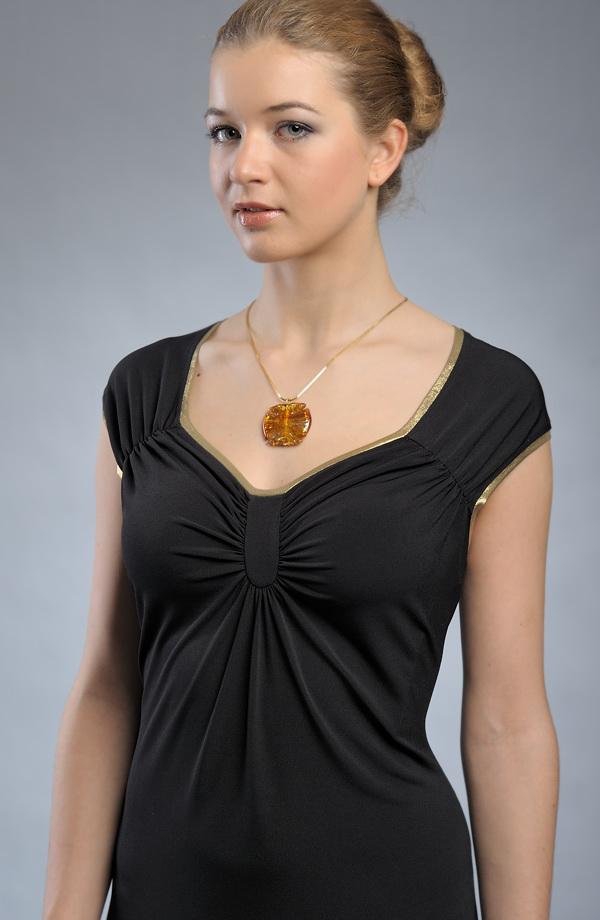 7386dd9a71e ... Elastické černé večerní šaty