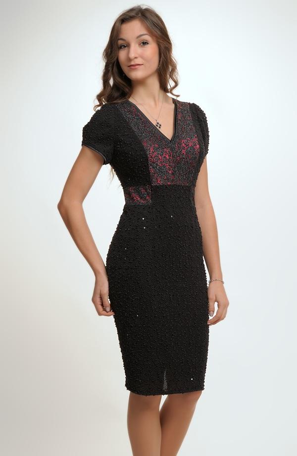 Černo červené elegantní společenské šaty se sedlem z krajky ve velikosti 42. 72edd00f2e4