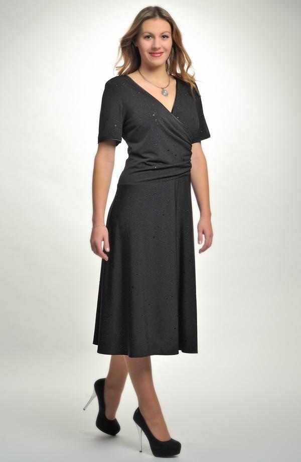 ... 50 Společenské černé zavinovací šaty pro plnoštíhlé. Vel. 44 425a66a1e85