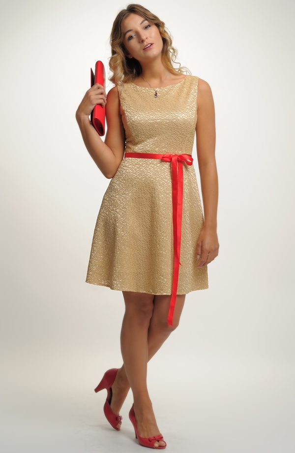 Luxusní dívčí společenské retro šaty na svatbu ... e8451c98ec5