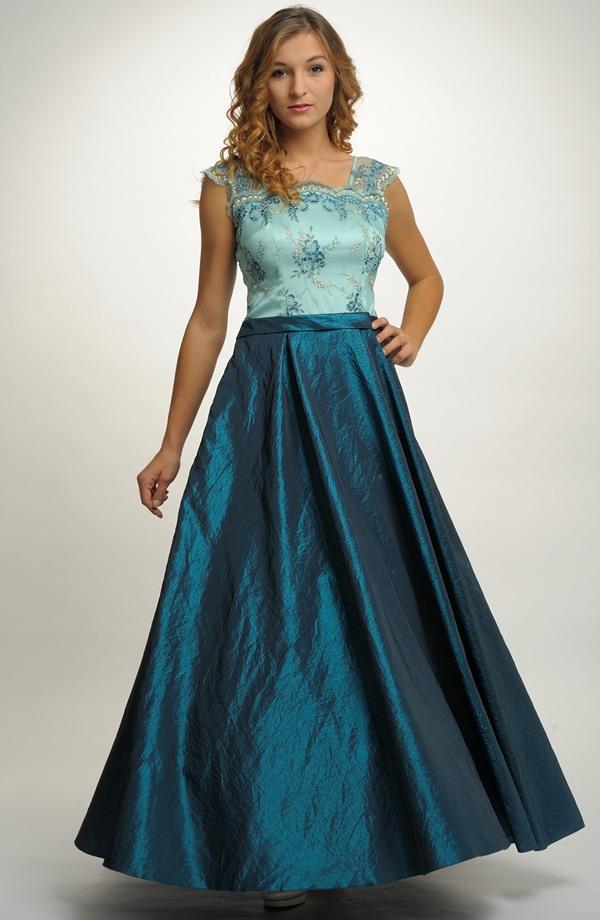 Luxusní plesové šaty s kolovou sukní na stužkovací ples ... c7d0bc04eb