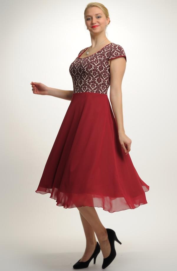 Šifónové plesové šaty se spodničkou  7552629acb