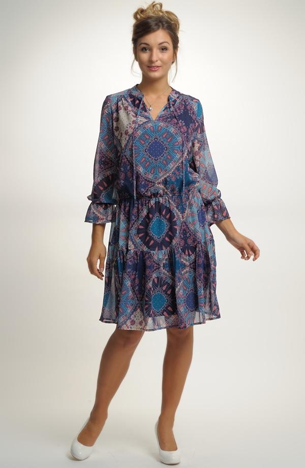 ... Lehké společenské šaty na léto ... e75b8ef5a0b