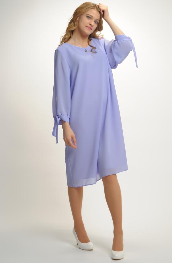 Společenské koktejlové šaty pro plnoštíhlé ... 13f12957a4