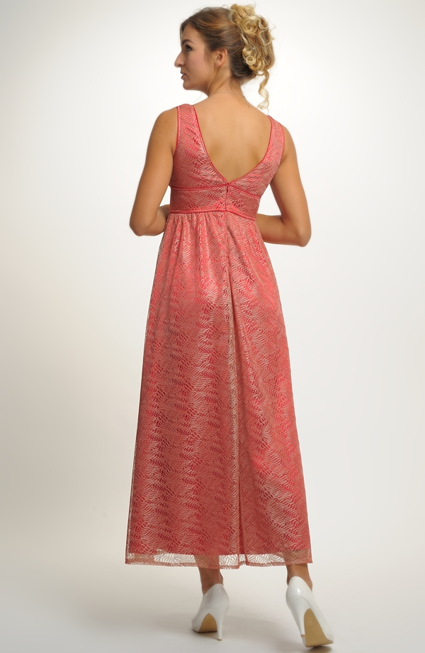 e7634c56e7e ... Šaty plesové s štíhlým pasem a nabíranou sukní ...