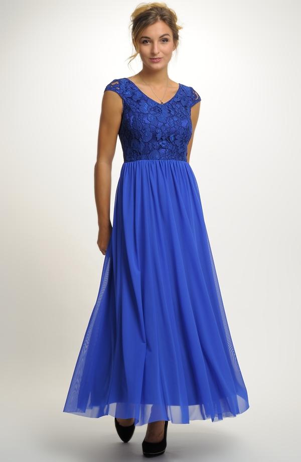 9147ea4476f Dlouhé elegantní plesové šaty ...